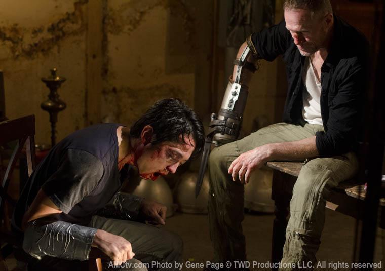 """The Walking Dead: Cinco perguntas criadas sobre o episódio 7 - """"When The Dead Come Knocking"""""""
