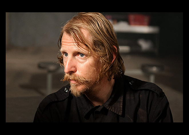"Lew Temple, Axel em The Walking Dead, fala sobre o episódio 10: ""Home"""