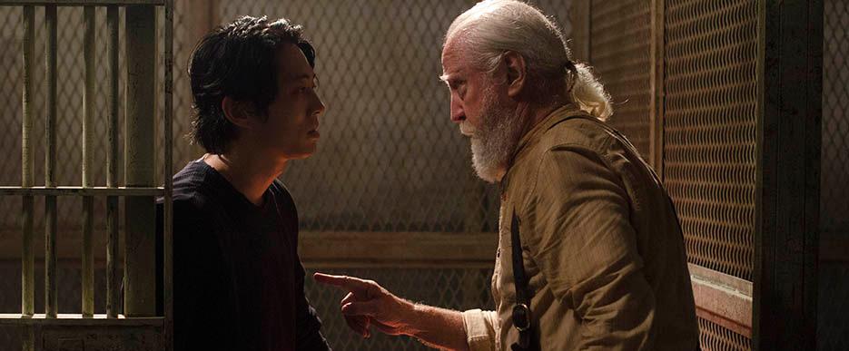 """Dissecando o episódio S04E05 """"Internment"""": Steven Yeun sobre Glenn: """"Ele é um homem com um propósito agora"""""""