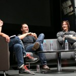 Andrew Lincoln e Norman Reedus divulgando The Walking Dead em Singapura