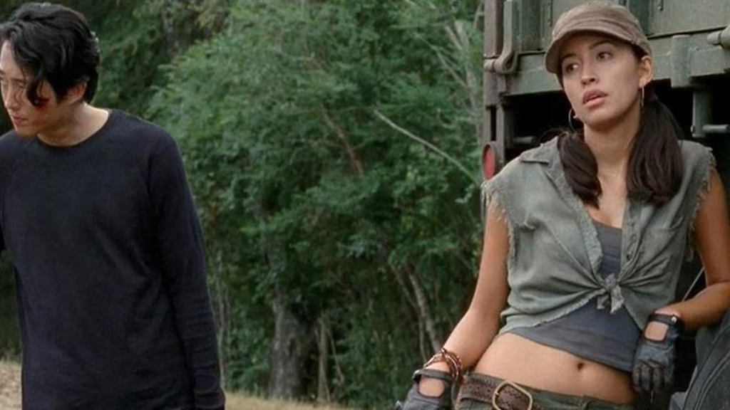 Christian-Serratos-Rosita-The-Walking-Dead-003