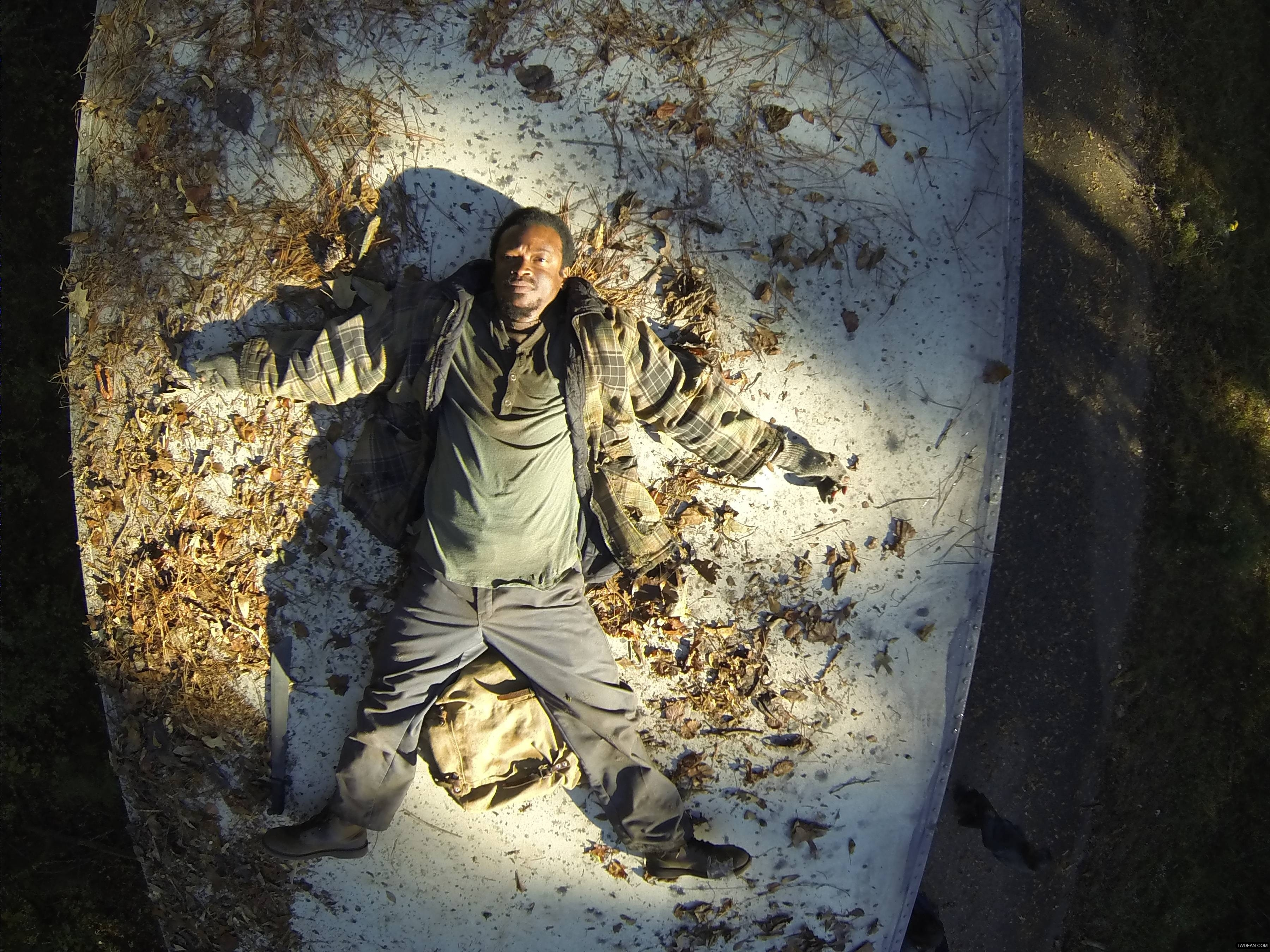 bob-the-walking-dead-4-temporada-alone