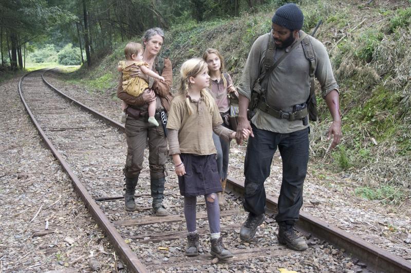 002-the-walking-dead-carol-tyreese-criancas-4-temporada