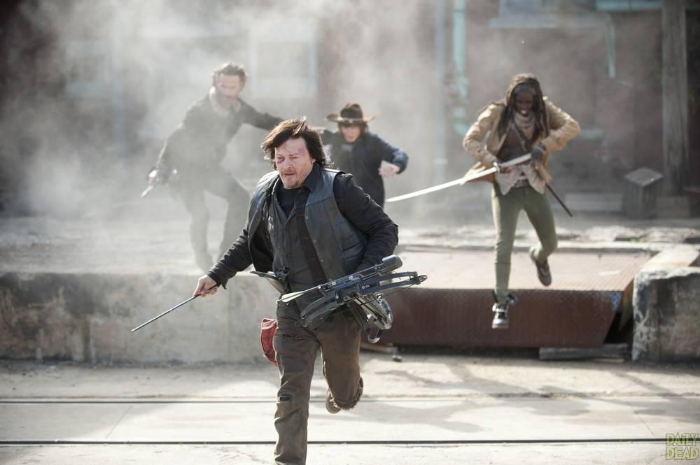 Rick-Daryl-Michonne-Carl-The-Walking-Dead-S4-Finale