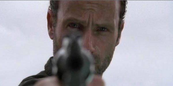 004-Rick-Gun-Walking-Dead