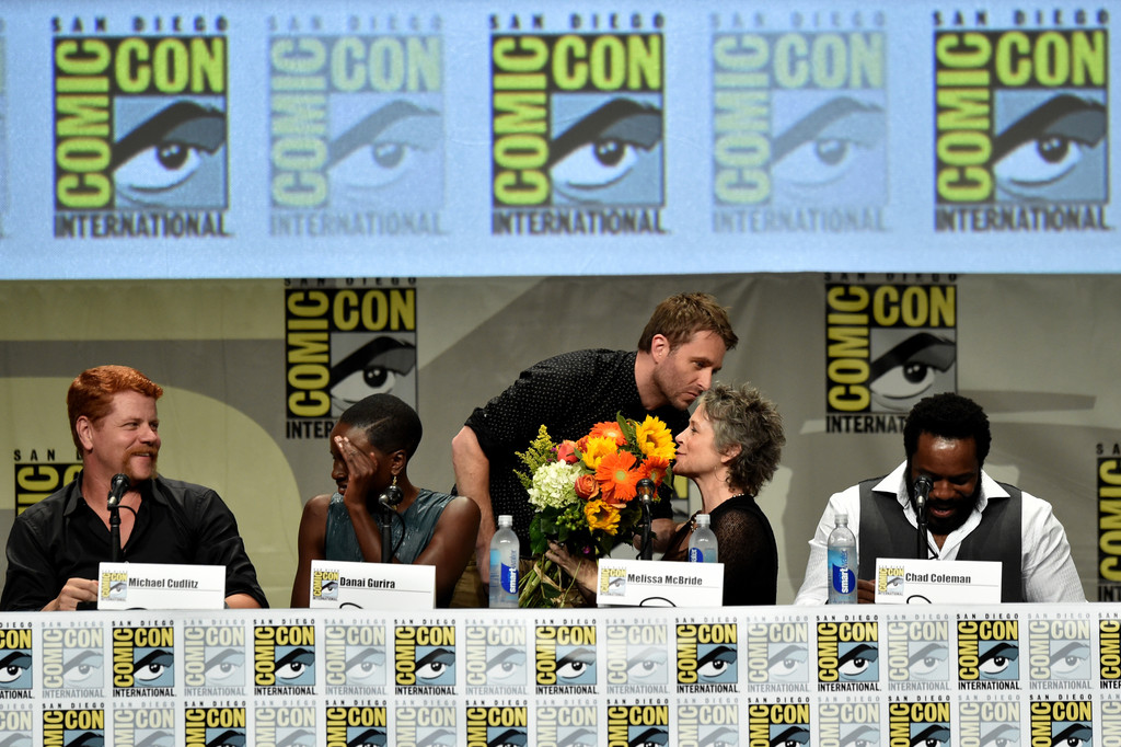 the-walking-dead-elenco-painel-comic-con-2014-002
