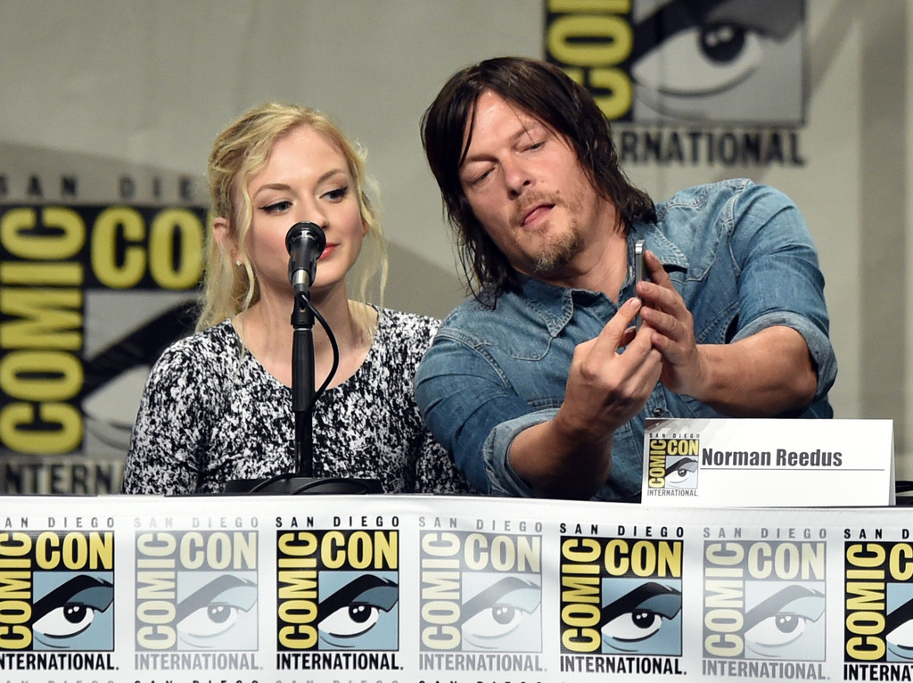 the-walking-dead-elenco-painel-comic-con-2014-003