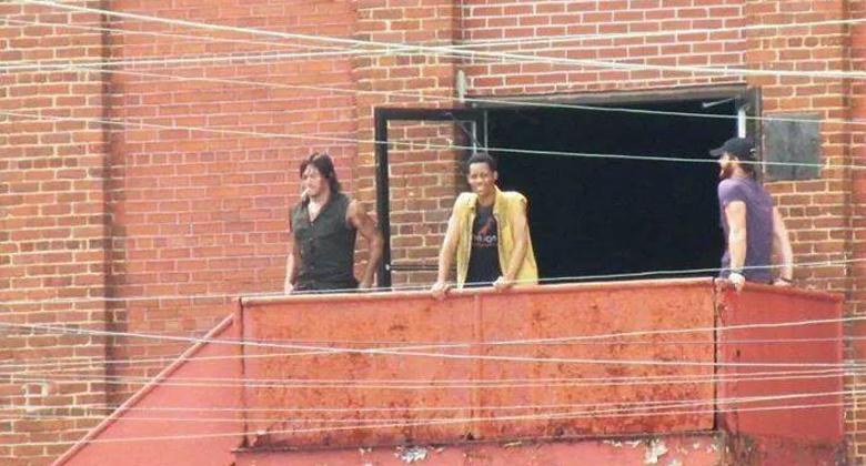 Primeiras imagens de Tyler James Williams no set da 5ª temporada de The Walking Dead