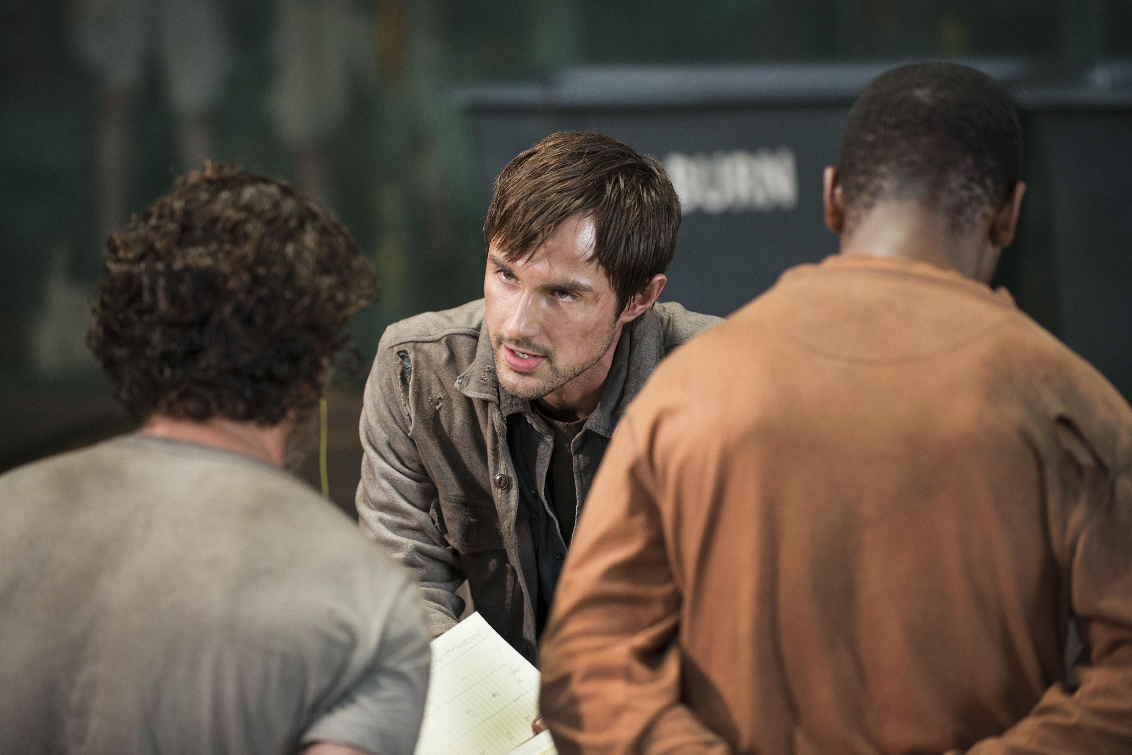 The-Walking-Dead-5-Temporada-S05E01-No-Sanctuary-HQ-017