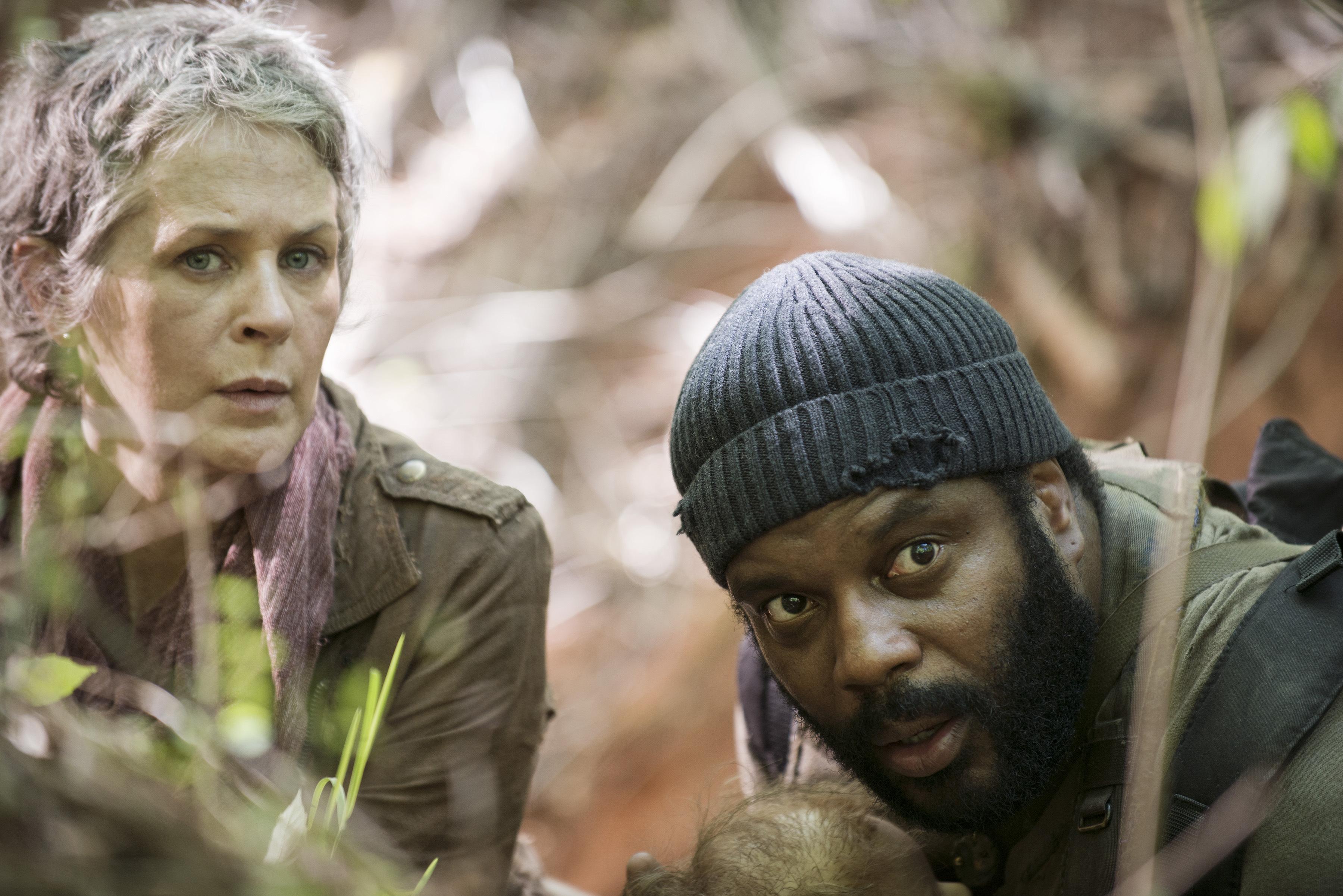 Tyreese-Carol-The-Walking-Dead-5-Temporada-S05E01-No-Sanctuary-HQ-012