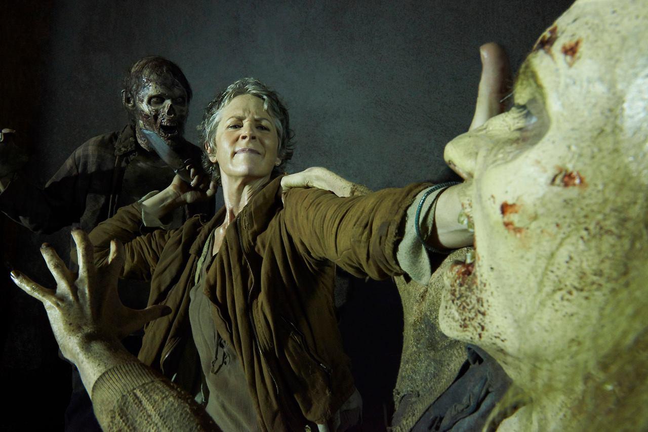 carol-walkers-the-walking-dead-5-temporada