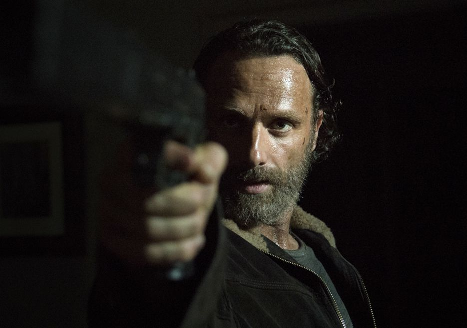 rick-grimes-the-walking-dead-four-walls-and-a-roof