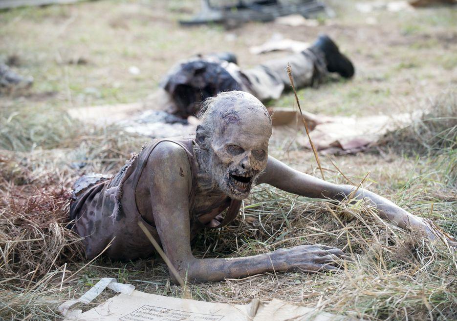 walker-the-walking-dead-5-temporada-consumed