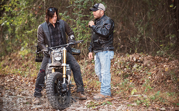 norman-reedus-the-walking-dead-5-temporada-set-004