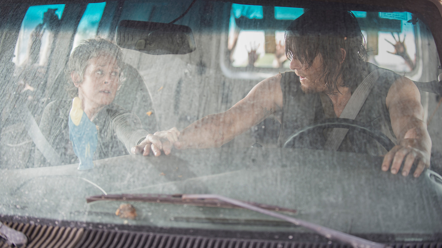 the-walking-dead-melissa-mcbride-carol-004