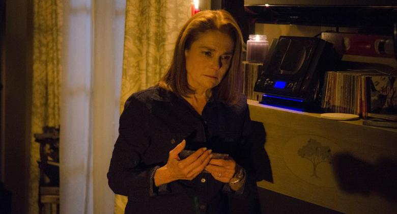 Tovah Feldshuh fala que Deanna não comprou a ideia do Padre Gabriel