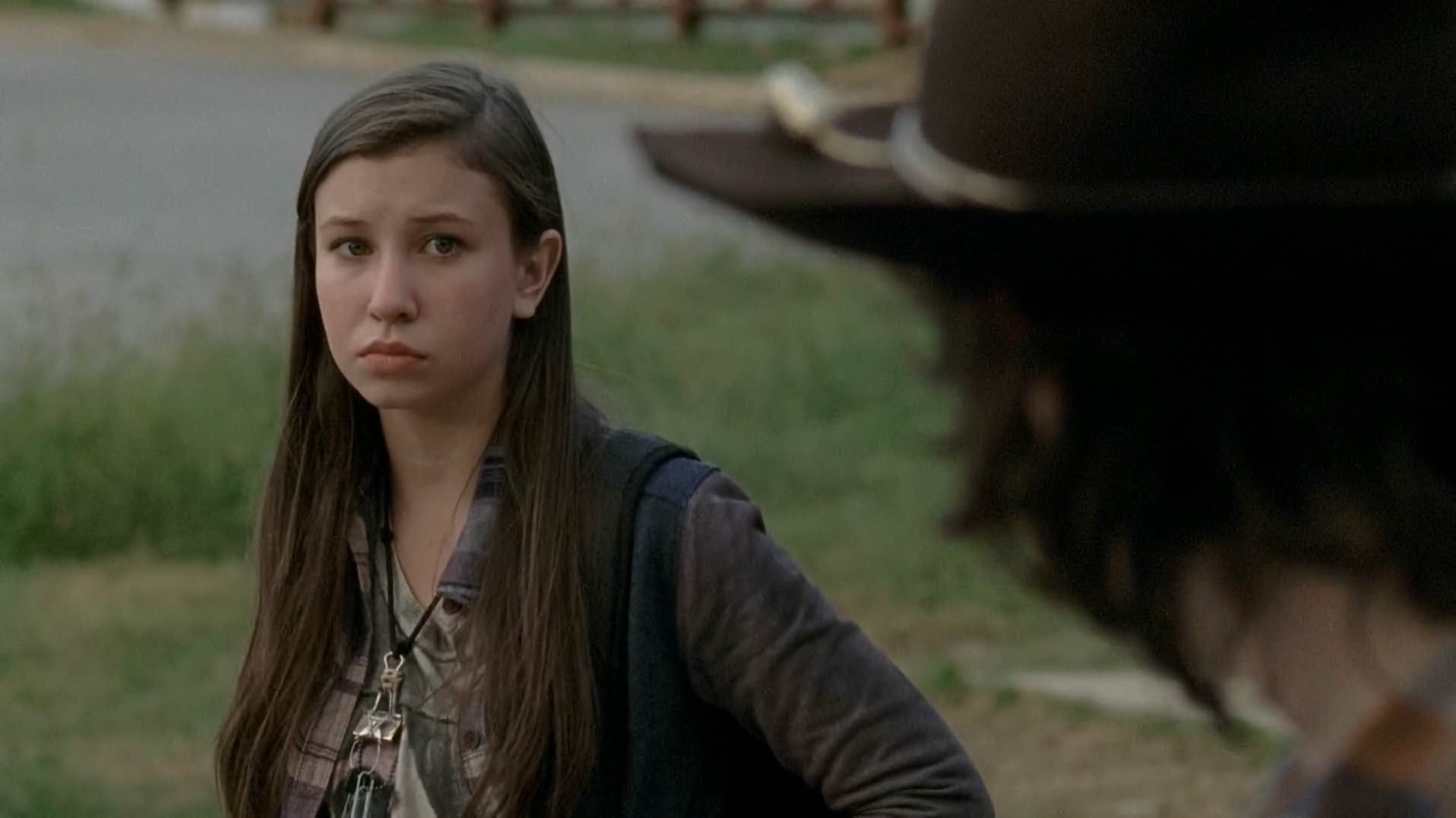 the-walking-dead-enid-003