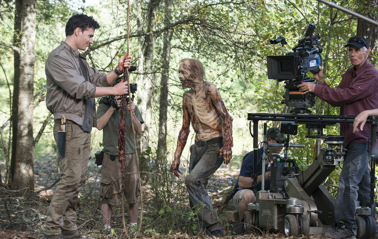 the-walking-dead-remember-bastidores-002