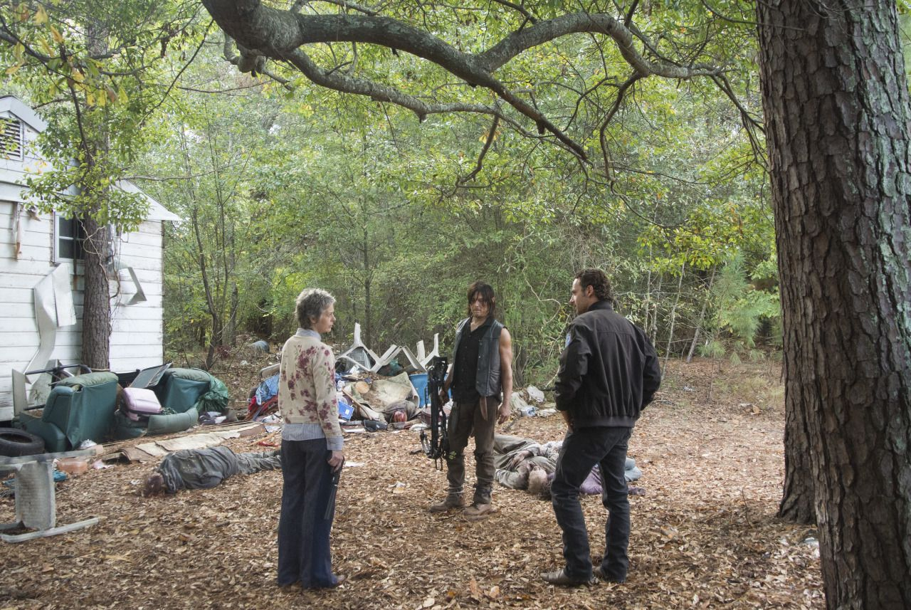 the-walking-dead-s05e13-spend-norman-reedus-daryl-bastidores-002