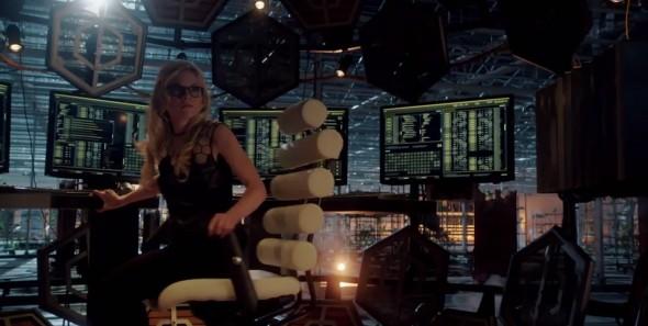 Emily-Kinney-The-Flash-Bug-Eyed-Bandit-Brie-Larvan-001