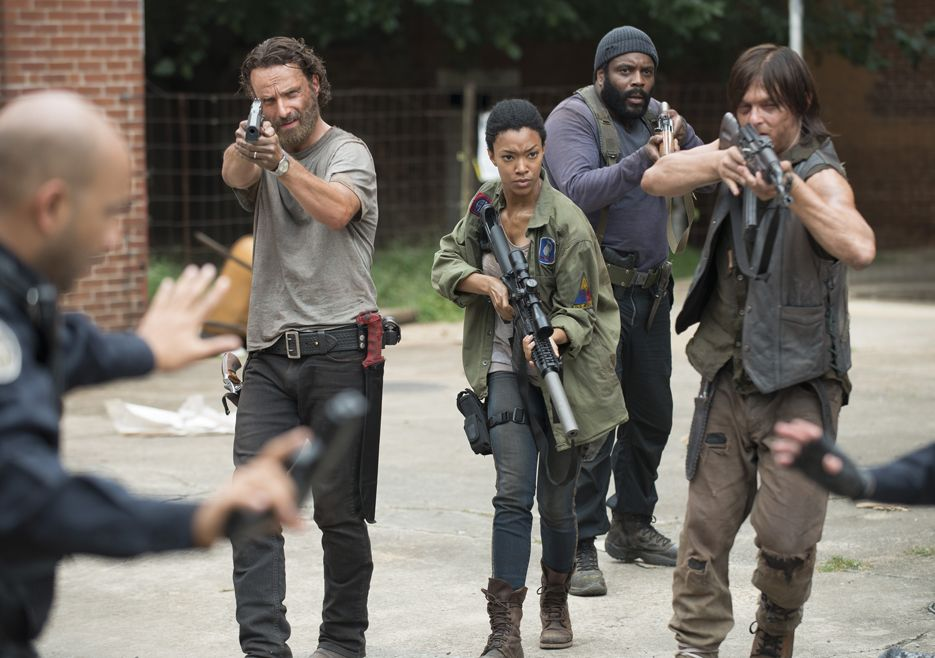 the-walking-dead-5-temporada-crossed
