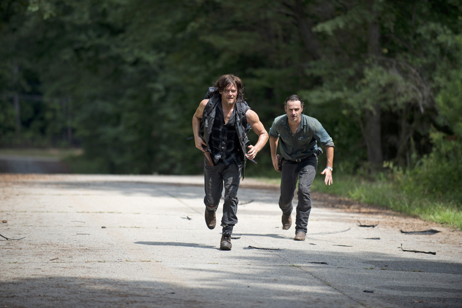 the-walking-dead-s06e10-the-next-world-review-001