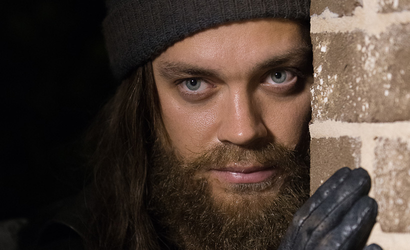 Tom Payne fala sobre a introdução do misterioso Jesus no episódio 10 -