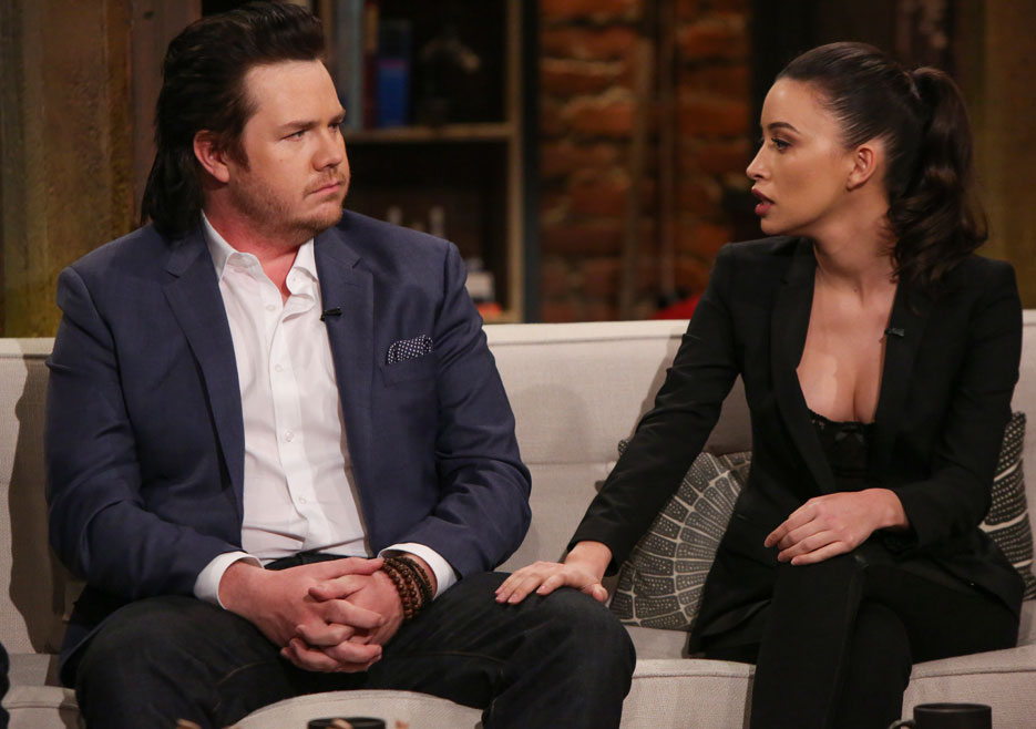 talking-dead-brasil-51-christian-serratos-josh-mcdermitt-greg-raiewski-006