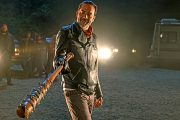 Greg Nicotero revela que a estreia da 7ª temporada foi o episódio mais emotivo que ele já filmou
