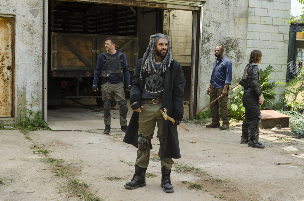 the-walking-dead-s07e02-khary-payton-teoria-ezekiel-negan-002