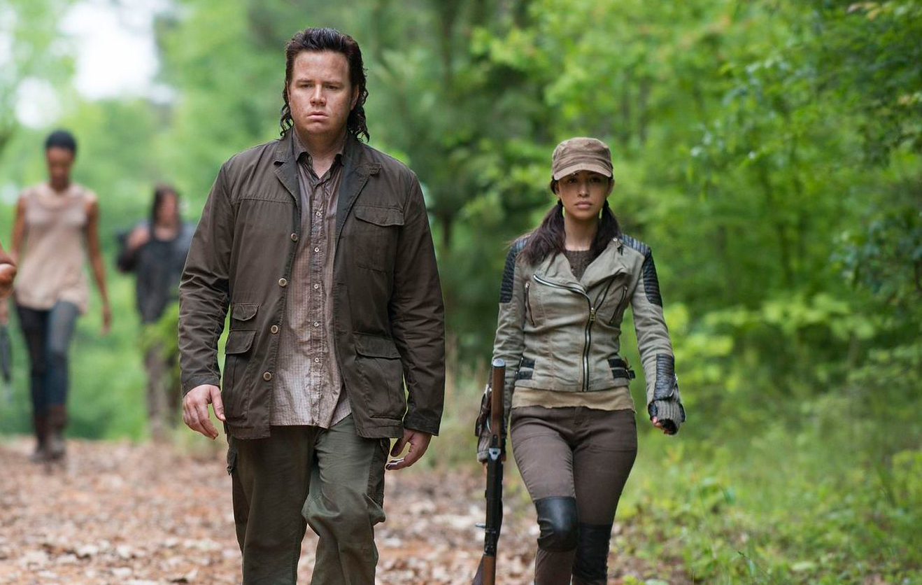 the-walking-dead-s07e04-christian-serratos-rosita-momento-de-guerra-002