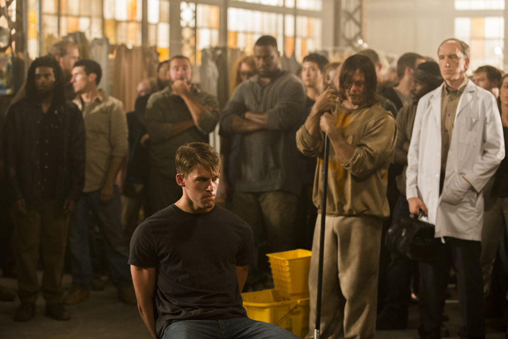 the-walking-dead-s07e07-sing-me-a-song-review-002