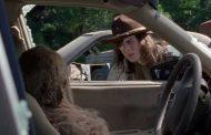Nova prévia do episódio de estreia da 8ª temporada de The Walking Dead faz referência a primeira cena da série