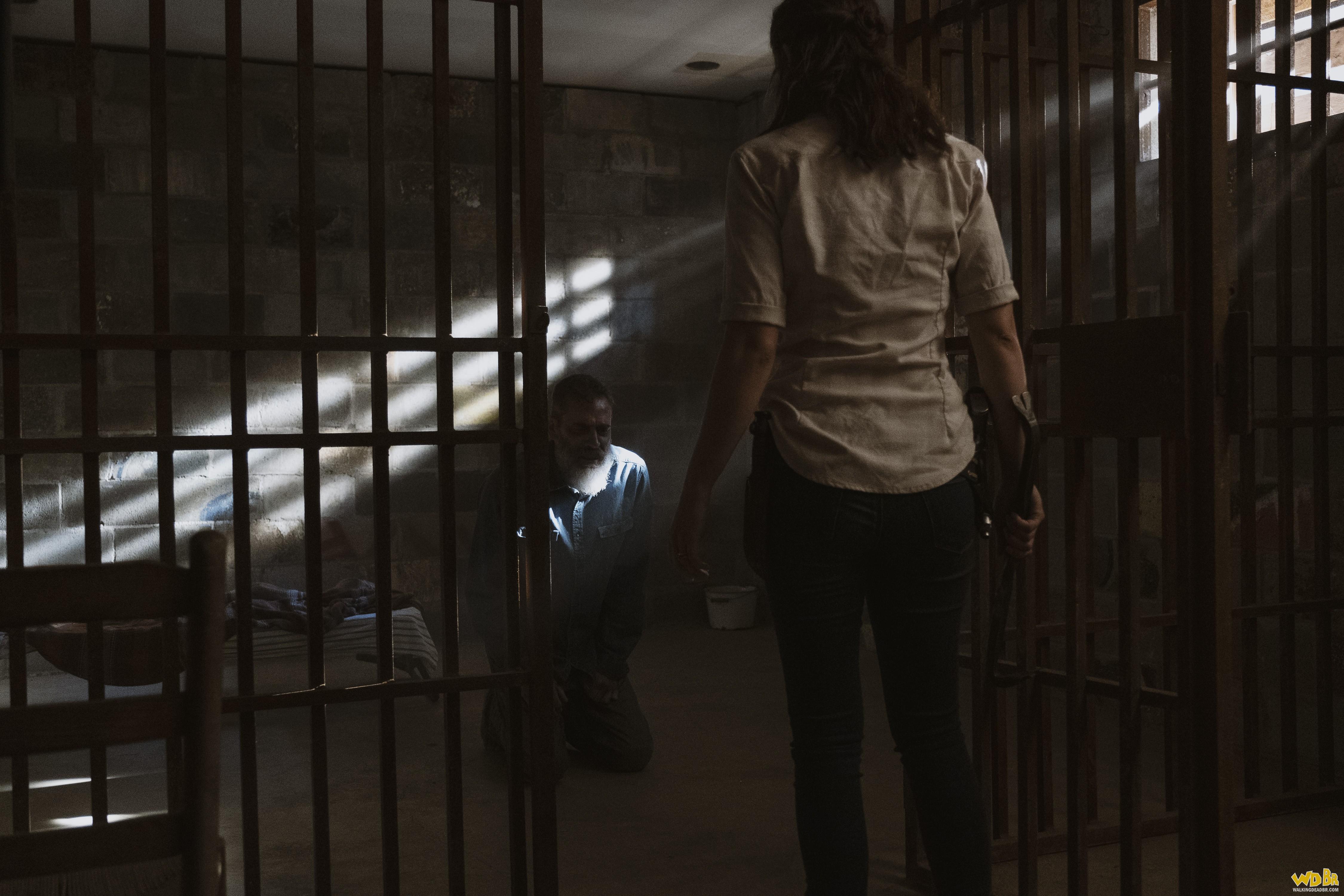 Maggie conversando com Negan