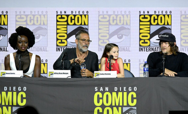 elenco de the walking dead no painel da sdcc 2019