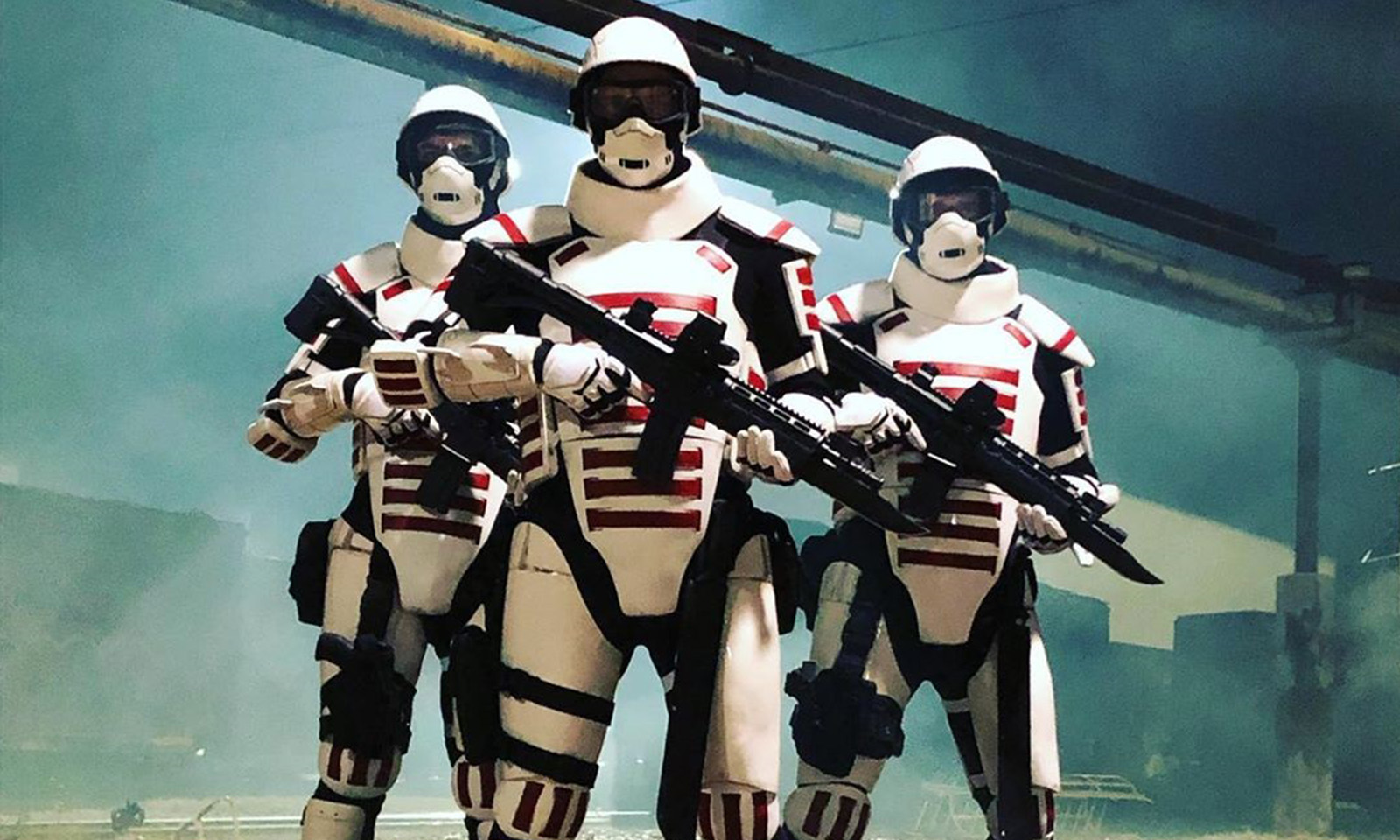 soldados de commonwealth no 16º episódio da 10ª temporada de The Walking Dead