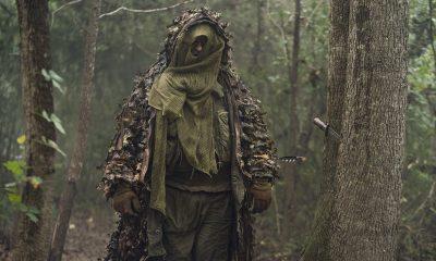 Mike Whinnet como um dos Ceifadores no episódio 17 da 10ª temporada de The Walking Dead