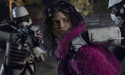 Princesa sendo presa pelos soldados em imagem do 20º episódio da 10ª temporada de The Walking Dead