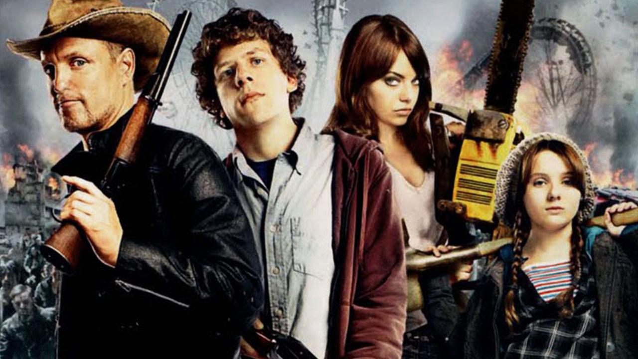os quatro protagonistas de Zumbilândia armados para enfrentar os zumbis no pôster de divulgação do filme