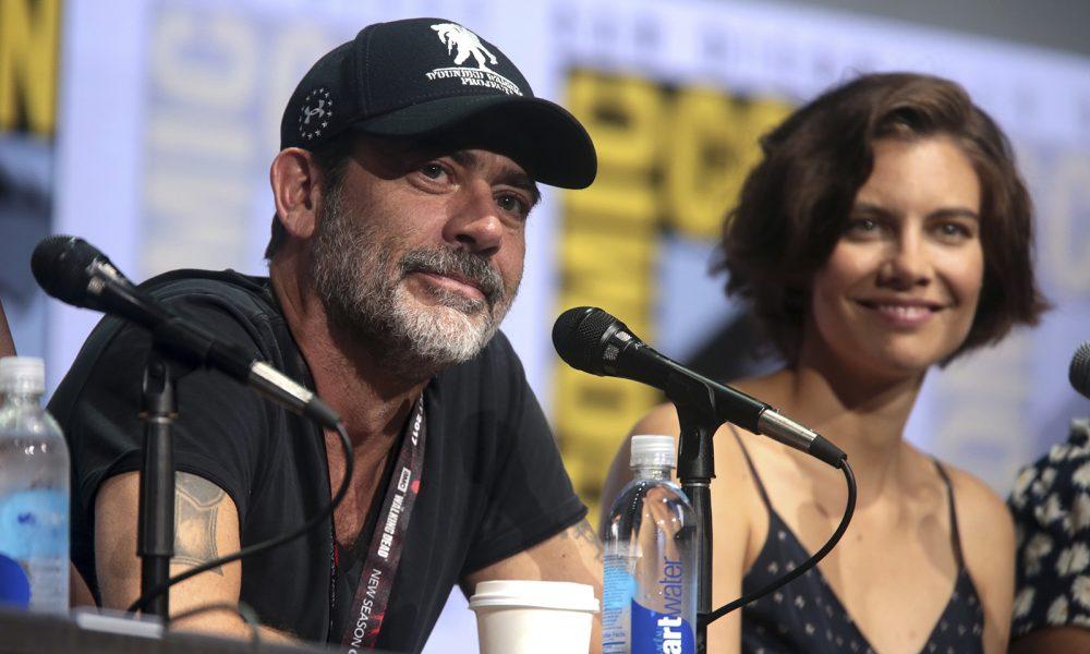 Jeffrey Dean Morgan e Lauren Cohan no painel de The Walking Dead na San Diego Comic Con