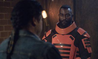 Mercer interrogando Eugene em imagem do episódio 2 - Acheron: Part II da 11ª temporada de The Walking Dead