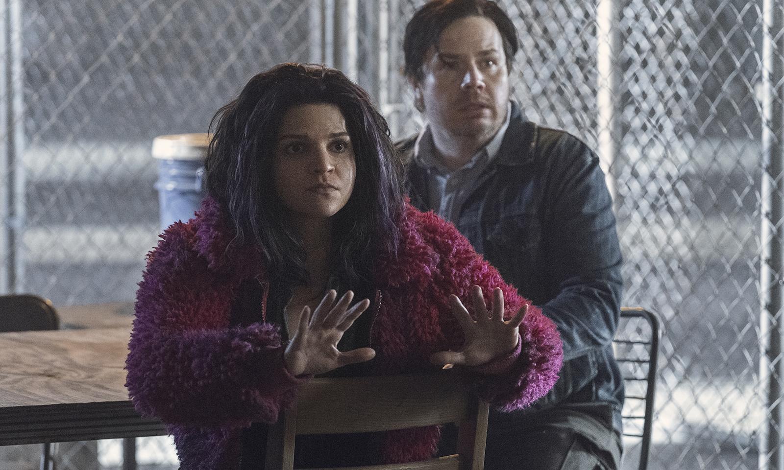 Princesa e Eugene assustados em imagem do episódio Acheron: Part II da 11ª temporada de The Walking Dead
