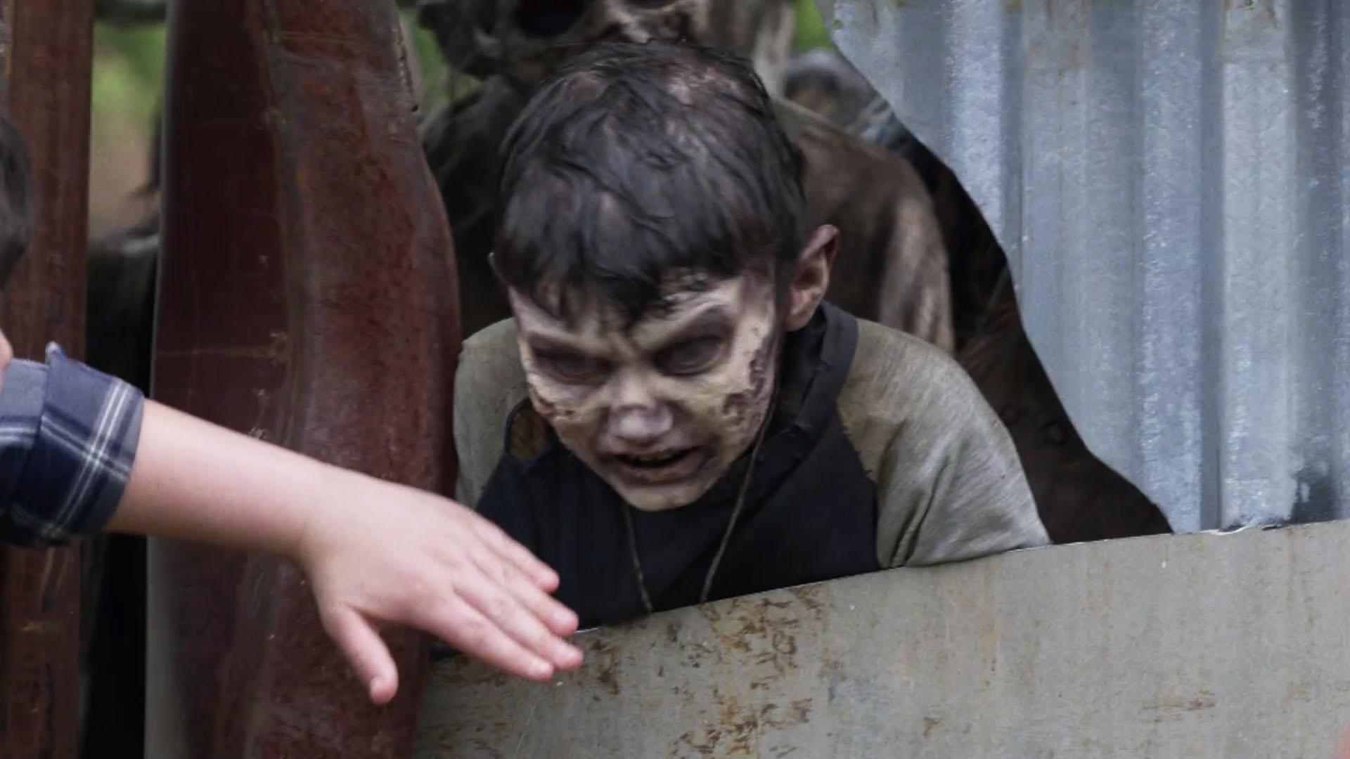 Gus Morgan como um walker no episódio 5 da 11ª temporada de The Walking Dead.