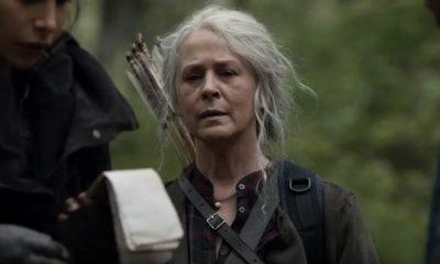 Carol, Magna e Kelly analisando o caderno de anotações de Connie no episódio 6 da 11ª temporada de The Walking Dead.