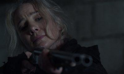 Leah apontando sua arma no episódio 7 da 11ª temporada de The Walking Dead.