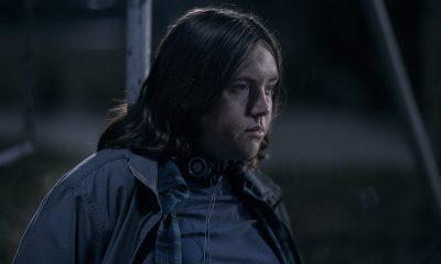 Silas amarrado no parquinho no episódio 8 da 1ª temporada de The Walking Dead: World Beyond.