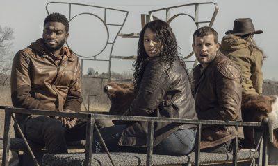 Will, Iris e Felix olham para algo enquanto estão indo para algum lugar no episódio 1 da 2ª temporada de TWD World Beyond.