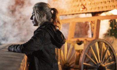 Leah observando ao lado do Hwacha no episódio 8 da 11ª temporada de The Walking Dead.